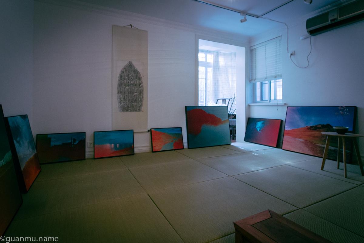 罗浩和几个好友一起在上海的闹市租下一处房子来作为他们的茶室、暗房、展厅、聚会的场所