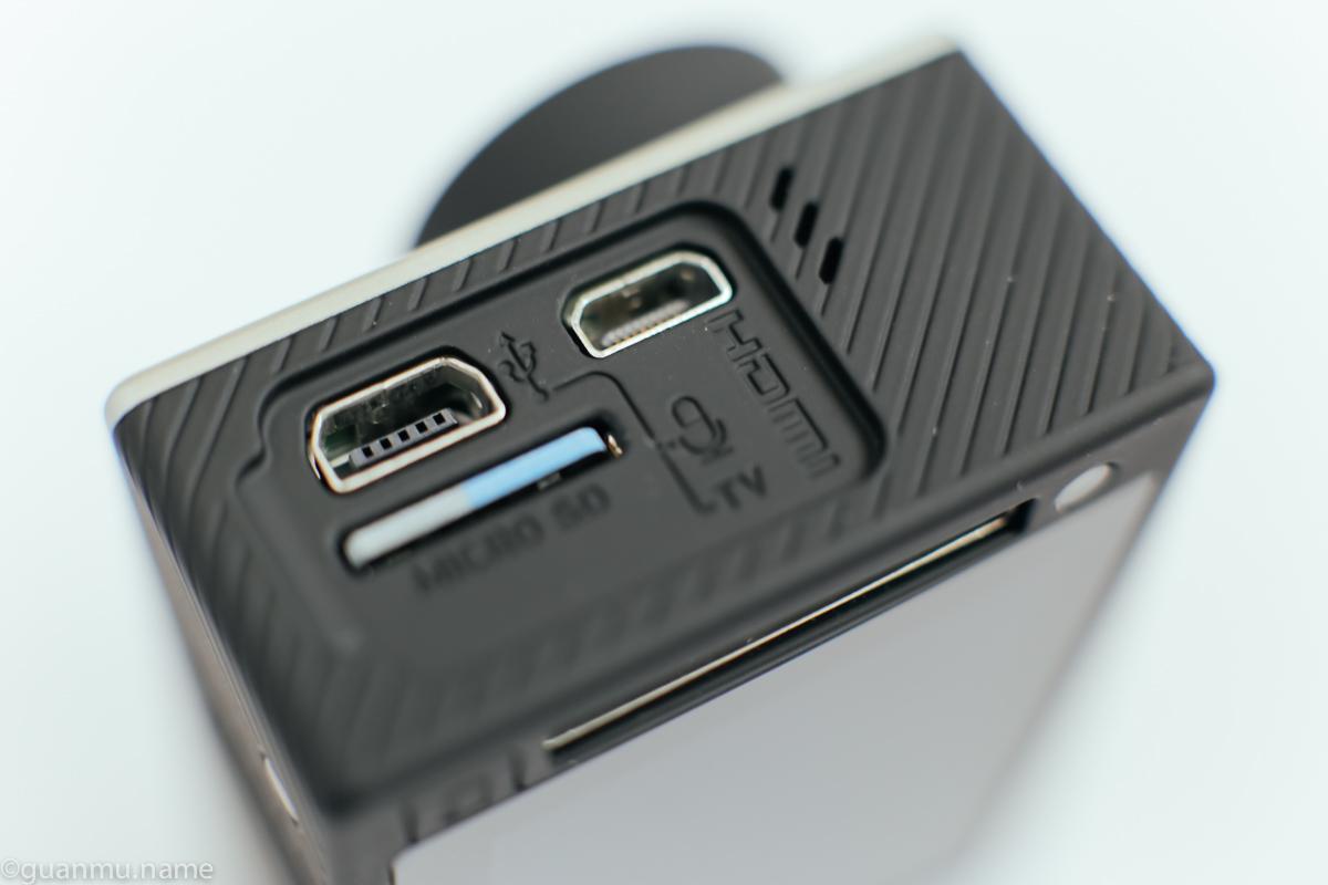 卡都换成 TF 了,但是为什么 USB 还是老的?!换成跟手机一样的不好么?!!